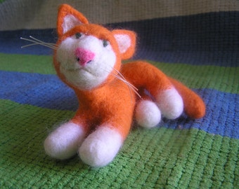 Wool felt animals Felted wool animals Felted toy Cat Apricot Needle felted Cat Eco friendly Toy cat Needle felted Gift idea