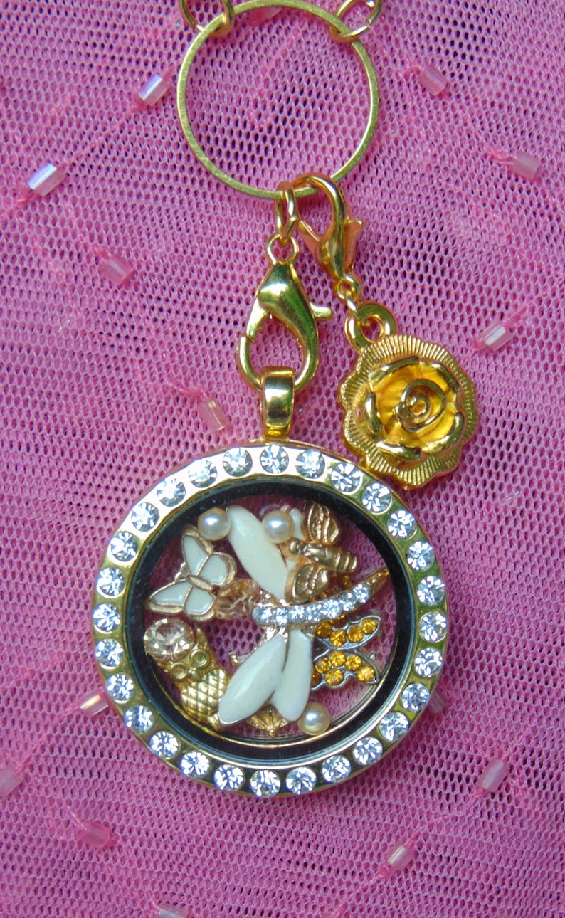 Includes Dragonfly Bee /& Birdhouse Butterflies Owl Free Gift with Purchase. Cream and Gold Dragonfly 13 Piece Floating Charm Set