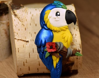 Blue and Gold Macaw - polymer clay magnet - Premo Sculpey polymer figurine sculpture animal fantasy colorful fridge magnetic bird parrot