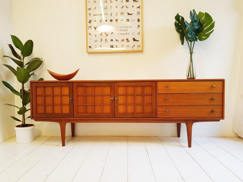 wholesale dealer 13ebe 690c6 Vintage Mid Century Modern Sideboard / TV Cabinet - 1970s Danish Retro