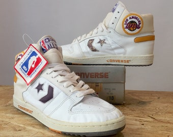 a90547f3baf9 Vtg 80's Converse Lakers sneakers US 10