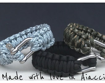 Manila rope and Paracord survival bracelet