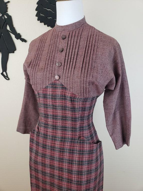 Vintage 1950's Wiggle Dress / 50s Plaid Day Dress