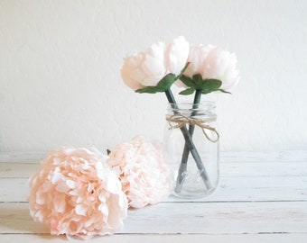 Pale Champagne Flower Pen - Flower Pens - Champagne Party Favors - Wedding Pen - Wedding Favors - Bridal Shower Favors - Guest Book Pen