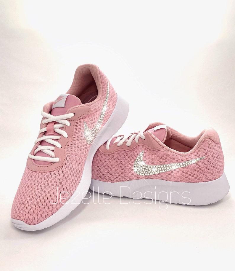 timeless design 042d5 458ee Swarovski Nike Womens Tanjun en éclat rose personnalisé avec   Etsy