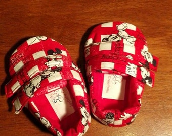 Red & White Mickey Mouse print Loafers Toddler Shoes Size 9-12 mths