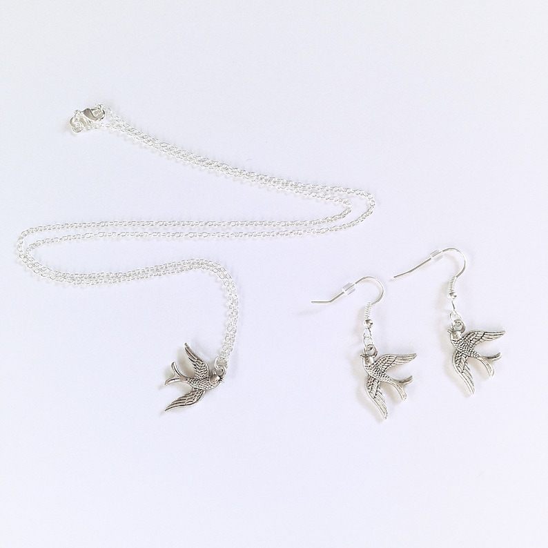 Woodland Forest Necklace Earrings Silver Swallow Necklace /& Earrings Set Bird Sparrow Minimal Jewellery Detailed Swallow Charm Pendant