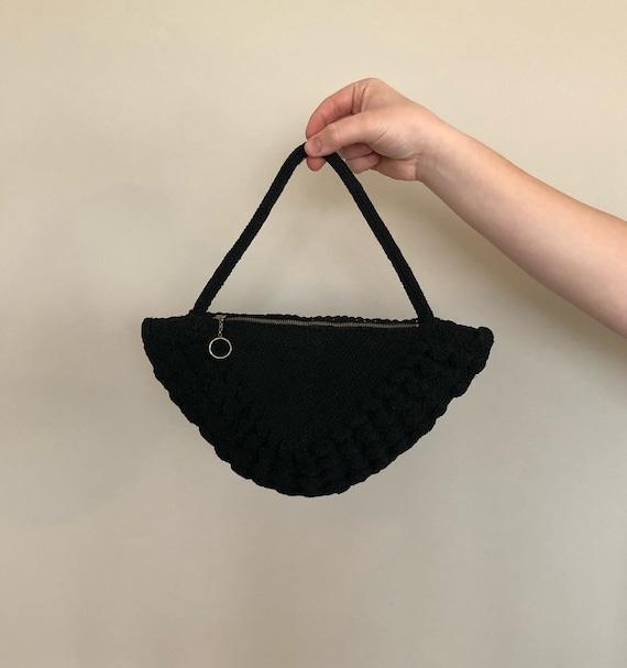 Vintage 40s Black Triangular Crochet Handbag/Clutc