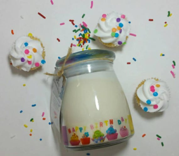 Birthday Cake 14oz, 70-hour, Soy & Botancial Oil Candle **4.00 SHIPPING**