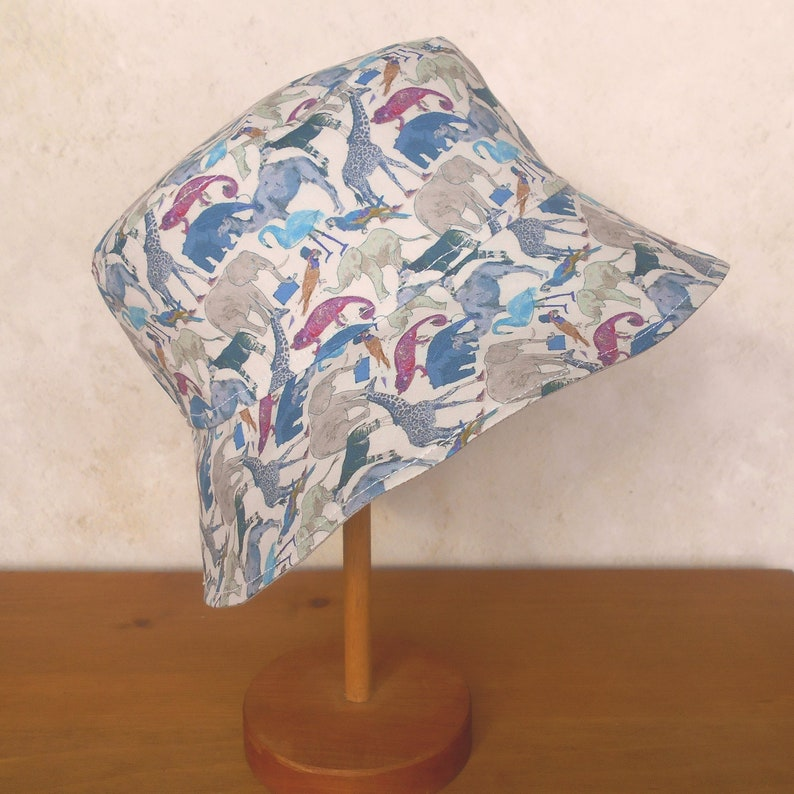 Queue for the Zoo Grey Liberty Cotton Bucket Sun Hat