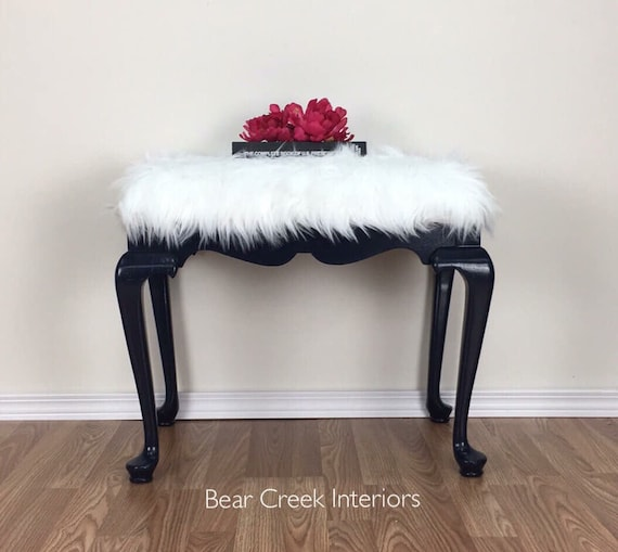 Magnificent Navy Blue Bench With Faux White Fur Covered Seat Piano Bench Vanity Bench Make Up Table Stool Caraccident5 Cool Chair Designs And Ideas Caraccident5Info