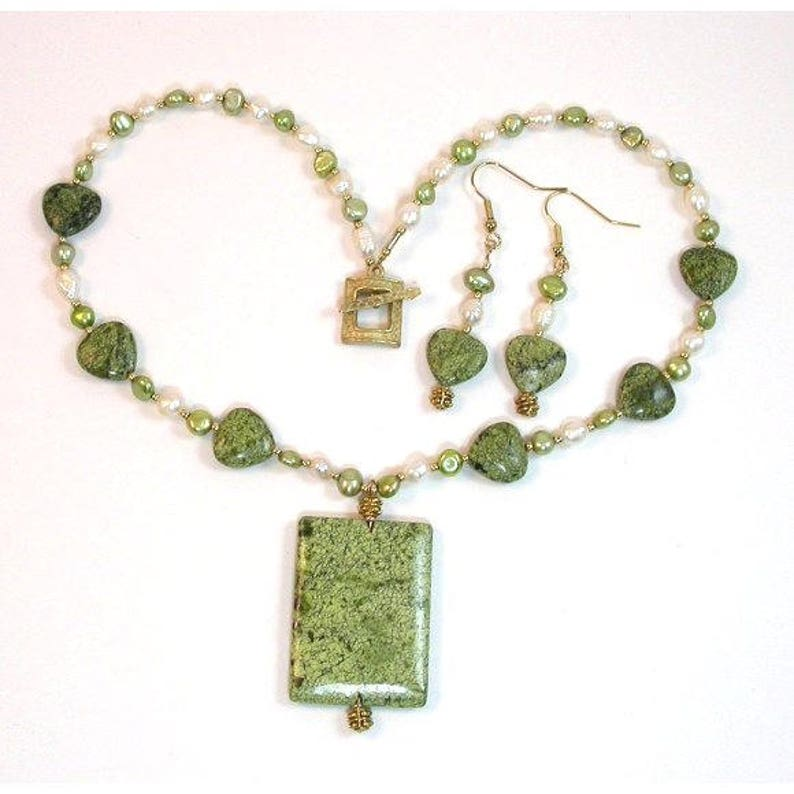 Necklace & Earrings. Have your Green Hearts  Necklace of image 0