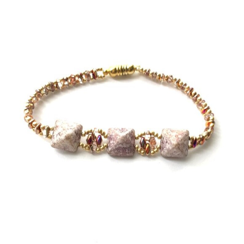 Bracelet. Beaded bracelet hand made with highest quality seed image 0