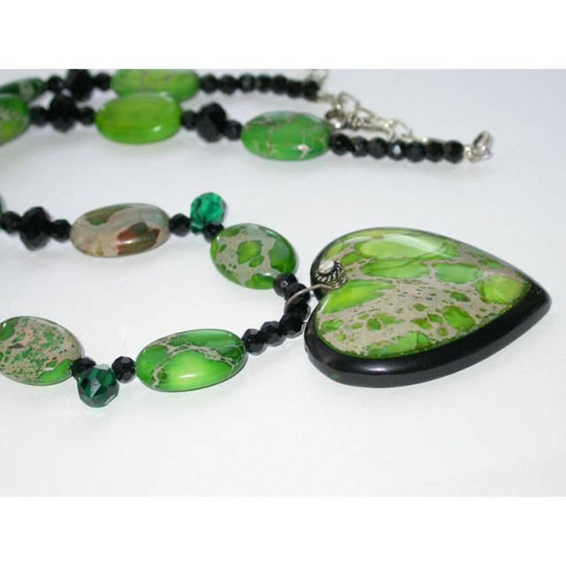 Gemstone Jewelry Set. Heart Pendant Necklace  Green/Black image 0