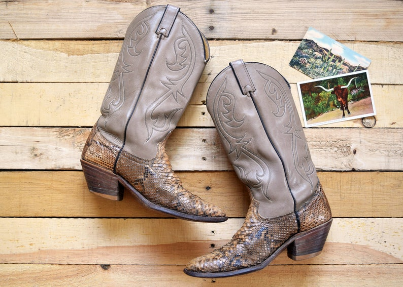 06defb7c6e0 Vintage Men's 8 1/2 D Snakeskin Cowboy Boots Taupe Tan Leather Made in  U.S.A Western Python 8.5