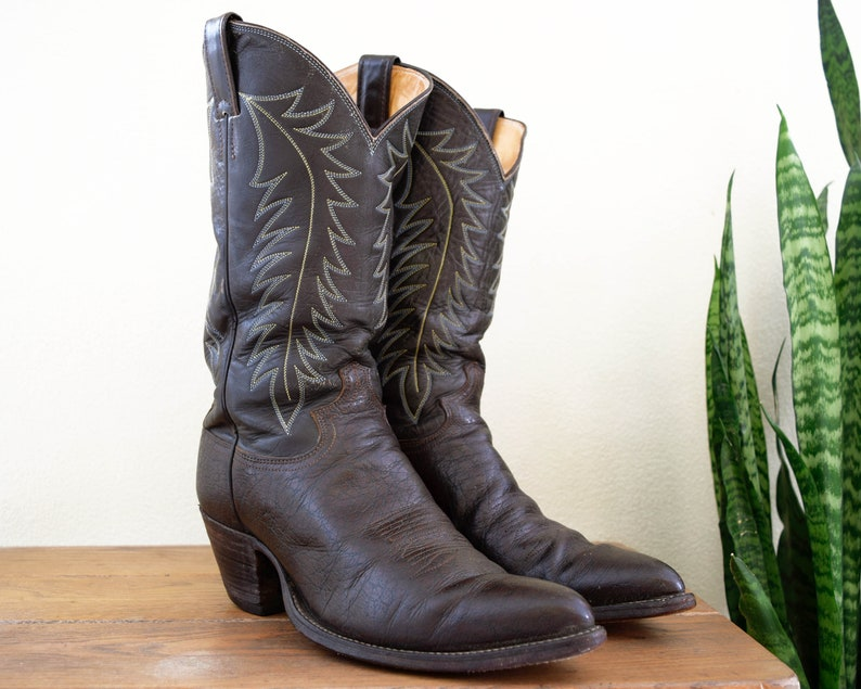 38d3a93c82a JUSTIN Men's 10 E (Wide) Vintage #2417 Dark Chocolate Brown Leather Cowboy  Boots with High Undershot Riding Heel