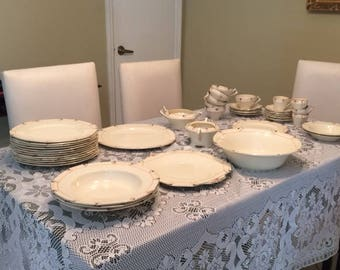 SET OF DISHES ( Alfred Meakin Marigold Collection )