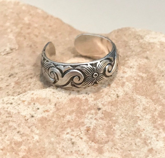 Oxidized sterling silver ring, sterling silver adjustable ring, sterling silver ring, patterned sterling silver ring, silver band, gift ring