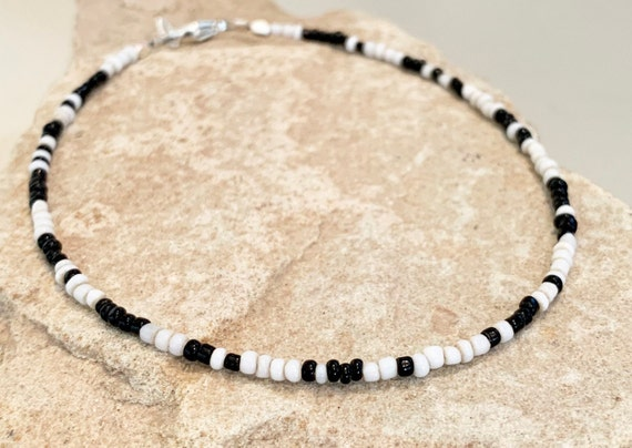 Black and white seed bead ankle bracelet, African seed bead anklet, beaded anklet bracelet, boho anklet, body jewelry, gift for her