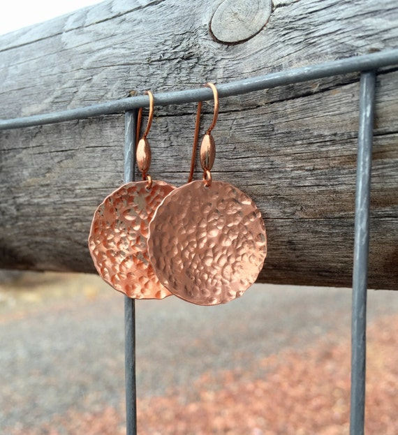 Pretty hammered copper drop/dangle earrings, handmade copper earrings, round copper earrings, drop earrings, gift for her, dangle earrings
