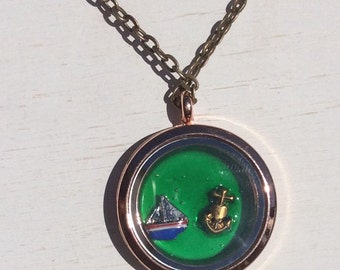 Sailing locket