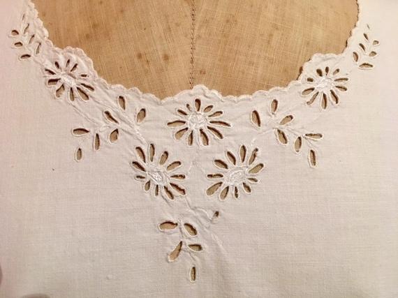 Crisp White French Nightie/Nightdress. Old Linen N