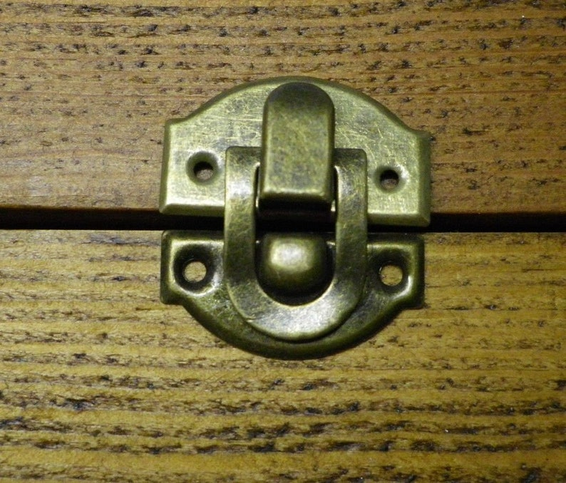 Pk of 4 Large Metal case Corners Antique Bronze Finish 70mm Over Straight D035