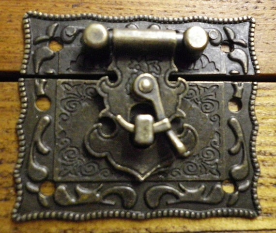 NEW Lock clasp box closer latch hasp ornate c//w screws bronze finish C071