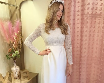 Vintage 1960's sixties wedding dress | Original sixties | Simple guipure lace | Straight skirt | Long pretty sleeves | City | UK size 8 US 4