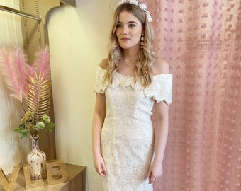 Vintage fitted wiggle wedding dress | Off the shoulder | Lace | Embellished | Bardot gown | Midi | Pearls | UK size 10/12 US size 6/8
