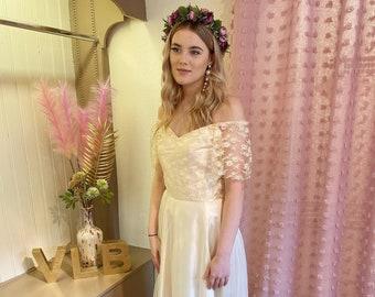 Off the shoulder wedding dress | Tulle | Princess | Vintage 1980's | Cream | Champagne | Size UK 8 | Pretty gown | Bardot | Bohemian boho