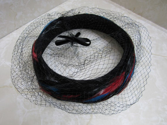 1940s/ 1950s Red Black and Blue Feather Halo Hat w