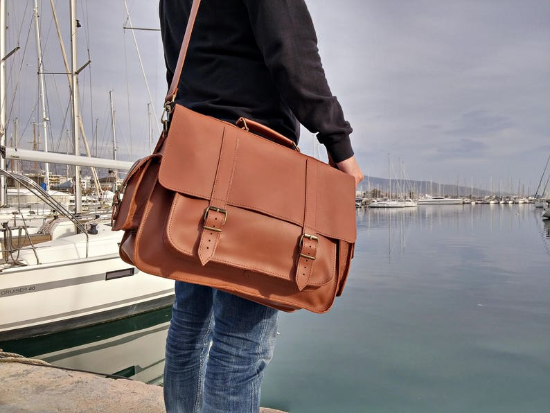 bb5f9d9187d Large Leather Messenger Bag. 17 inch Laptop Briefcase. Mens Professional  Bag, Real FULL GRAIN Leather.