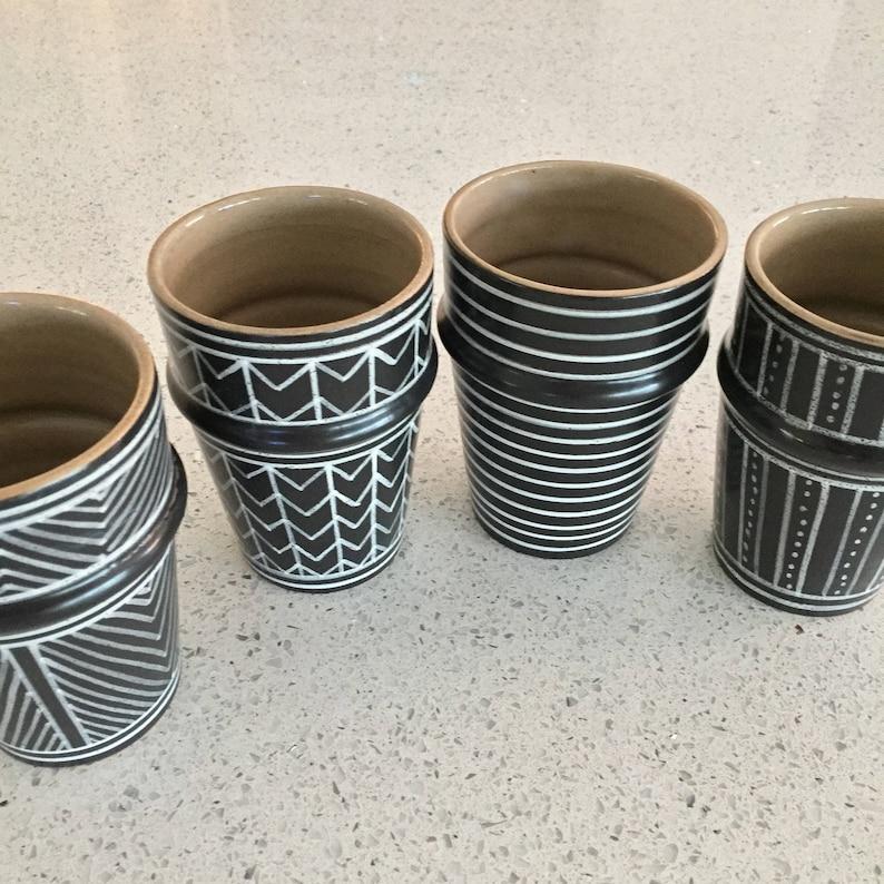 Dark GRAPHIC Beldi cups set of 4