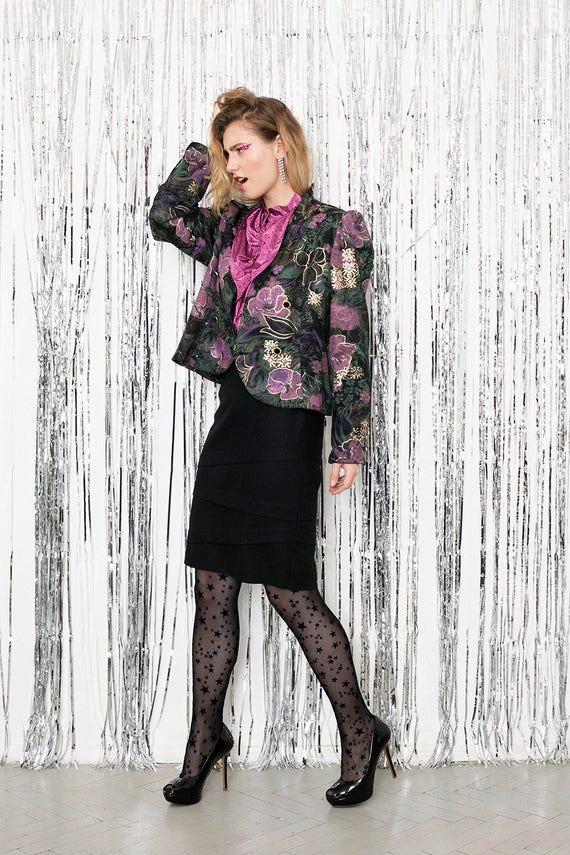 Vintage black midi tube skirt . Classic knee lengt