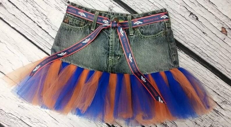 bc6ae2c90 Tamaño de Broncos denim falda tutu 8, falda de la mezclilla de las  muchachas, chicas NFL fútbol tutú, tutu deportes, chicas deportes vestido,  falda ...