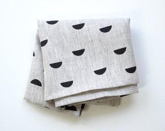 scales tea towel - black / natural