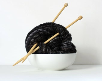3ply yarn, thick black yarn, handspun art yarn, wool hand spun yarn, hand dyed, bulky yarn, black weaving yarn ... noir