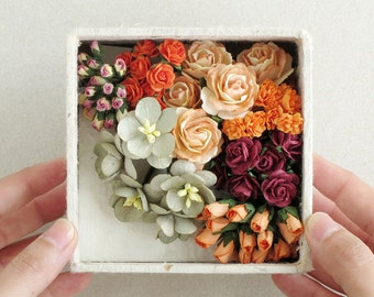 Paper Flower Set - Orange, sage green and burgundy flowers & mini card set - Made of mulberry paper - Box with lid included