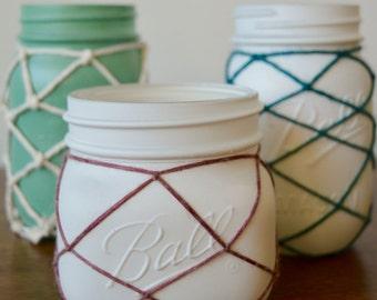 Distressed Mason Jar, White Jars, Rustic, Shabby Chic, Flower Vase, Beach Home, Cottage Country, Centre Piece, Minimal Modern