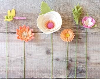 PRE-ORDER - Craft kit: DIY Felt Flowers - Peaches & Cream Dragonfly Bouquet