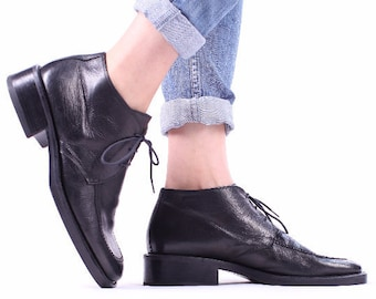 Black Leather ANKLE Boots 90s Chunky Low Heel Lace Up Grunge Booties Made in Italy Quality Half Boot Hipster size Women US 9.5, Eur 40, UK 7