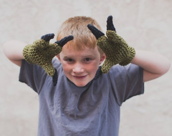 Crochet pattern Dinosaur Raptor Inspired 3 finger gloves. Jurassic Park inspired. Instant digital download CP407JGA