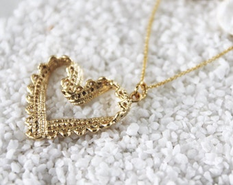 Heart Necklace in Gold/ Silver. Lace Heart. Love. Valentine's Gift. Anniversary. Gift For Her (PNL-160)