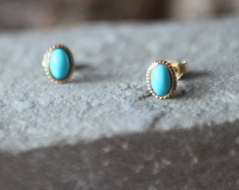 A Pair Of Gold Turquoise Stud Earrings   SKU1640