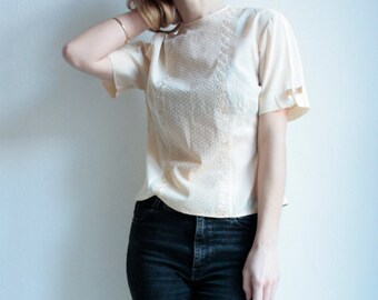 Embroidered Blouse, vintage, handmade, 50 s 60 s, soft apricot, folklore, costume, Bohème, rear row of buttons, embroidered shirt.