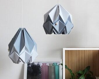 Suspension origami sobre et élégante   Gris platine et argent   Design contemporain scandinave parfait pour votre salon ou chambre