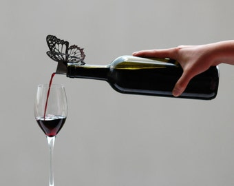 Butterfly wine pourer