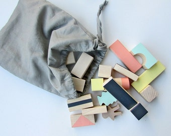 Wooden blocks in Mixed colours packed in cotton bag - Wood toy - Building blocks - Toddler gift - 1st Birthday gift - Baby gift