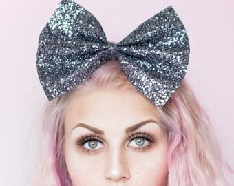Oversized cute and sparkly gunmetal silver glitter hair bow - kawaii